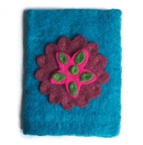PAPOOSE - felted gift card/needle case