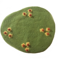 PAPOOSE - felt playmat, daisy field