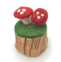 PAPOOSE - felt toadstools on tree stump, 8cm